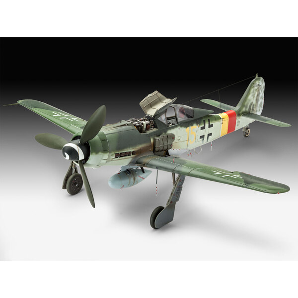 Focke Wulf Fw-190D-9 A model construction kit of the Fw190D-9, a more powerful version of the Fw190A with a Jumo 213A engine for