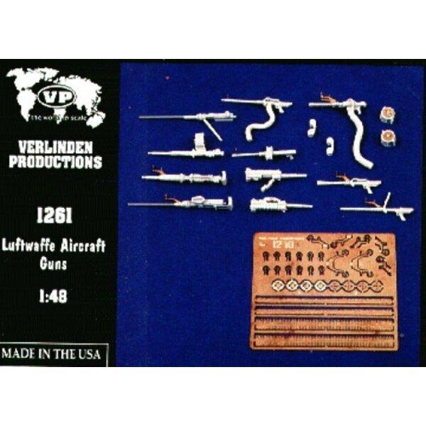 11 assorted Luftwaffe guns