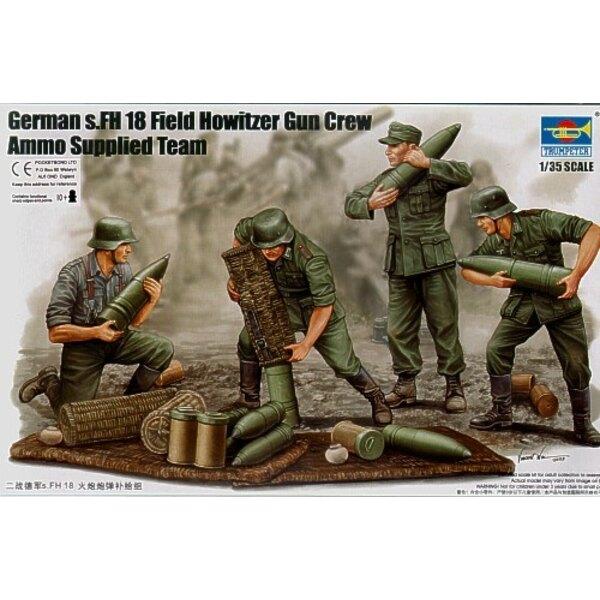 German WWII s.FH 18 Field Howitzer Gun Crew. Loading gun x 6 figures and ammunition etc