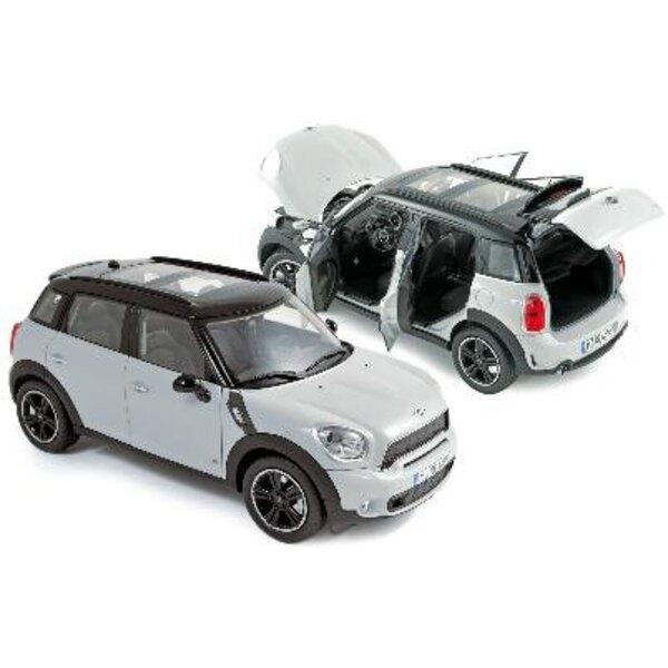 Mini Cooper S2010 White/Black 1:18