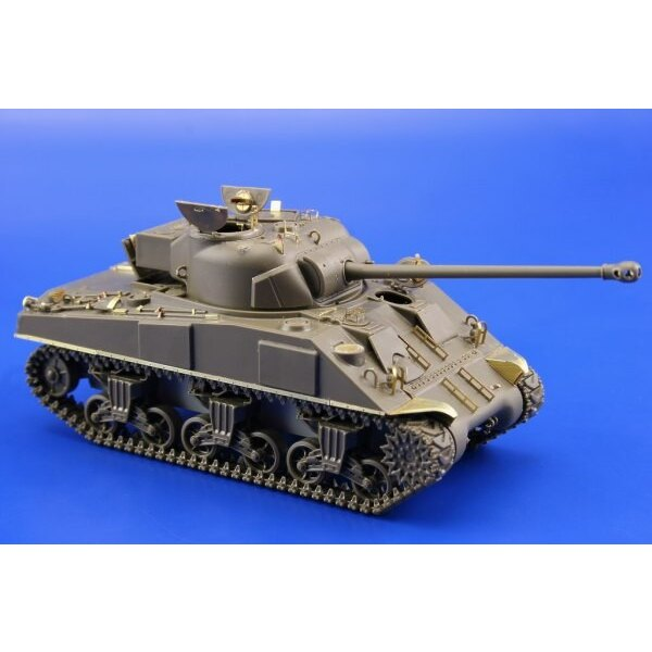 Sherman Firefly IC (designed to be assembled with model kits from Tamiya TA32532)