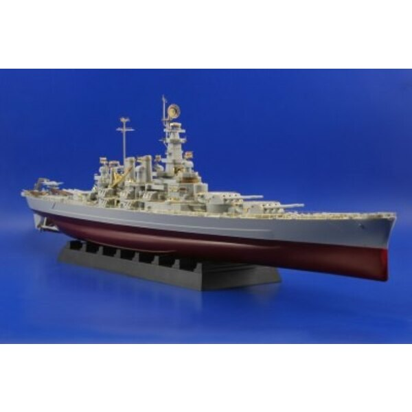 USS BB-55 North Carolina (designed to be assembled with model kits from Trumpeter)