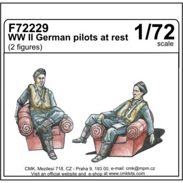 WWII German pilots at rest (2 fig)