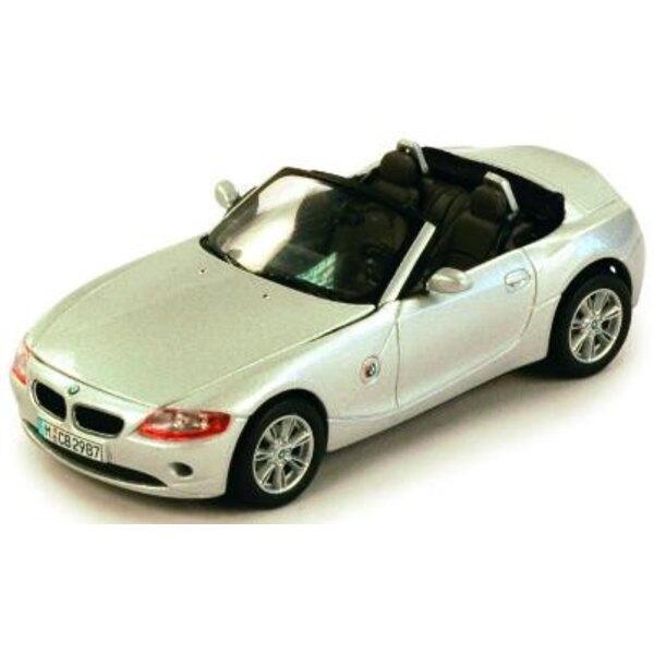 BMW Z4 Silver with cloth hood 1:43