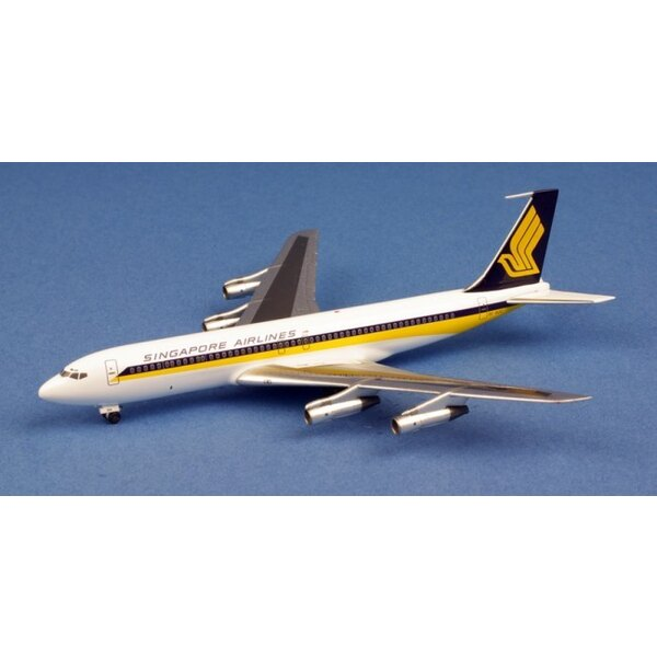 Singapore Airlines Boeing 707- 327C 9V- BDC