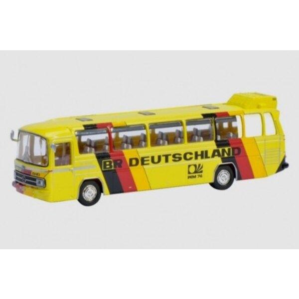 MERCEDES-BENZ O302 MANNSCHAFTBUS BRD 'SOCCER WORLD CUP 1974