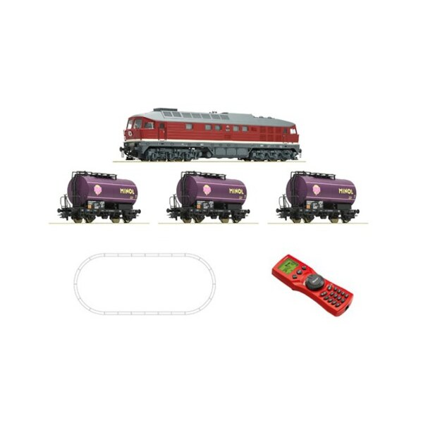 Digital Starter Set: Diesel locomotive class 132 and freigth train, DR