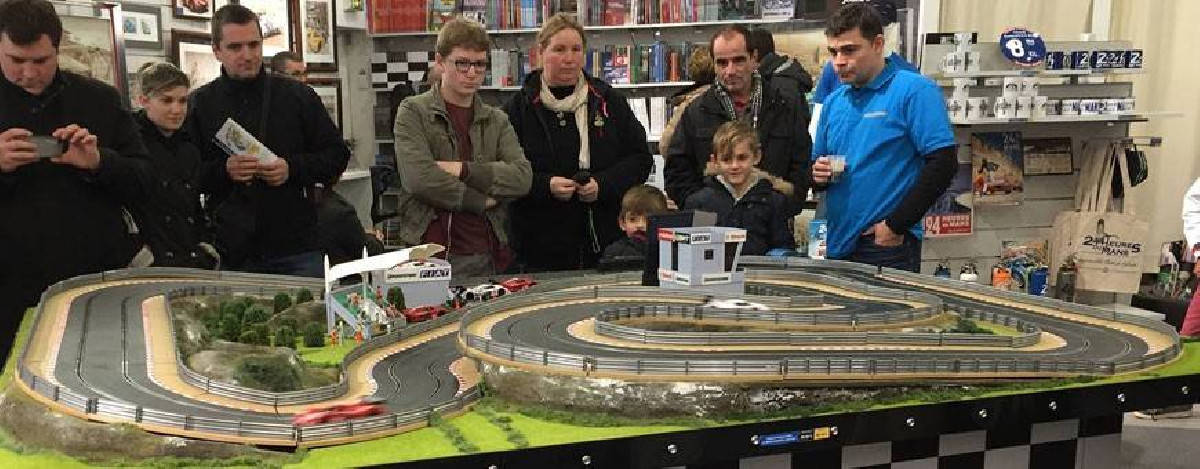 Slot car tracks - scalextric sets - all the slot car sets, tracks, cars and accessories on 1001hobbies.